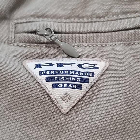Men's Columbia PFG cargo shorts size XL